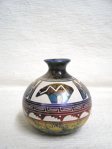 Native American Navajo Fine Etched Horsehair Smoke Pot with Spirit Bear