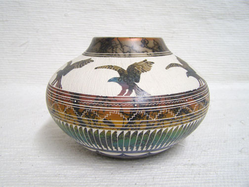 NNative American Navajo Fine Etched Horsehair Pot with Eagles