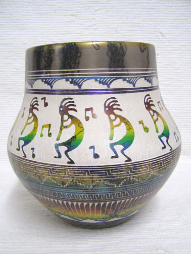 NNative American Navajo Fine Etched Horsehair Pot with Kokopelli