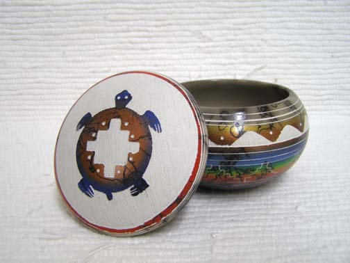 Native American Navajo Made Ceramic Fine Etched Horsehair Jewelry Box with Turtle by Velcita Whitegoat